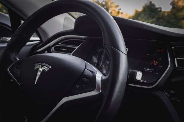 tesla-car-accidents-fort-pierce-personal-injury-attorney